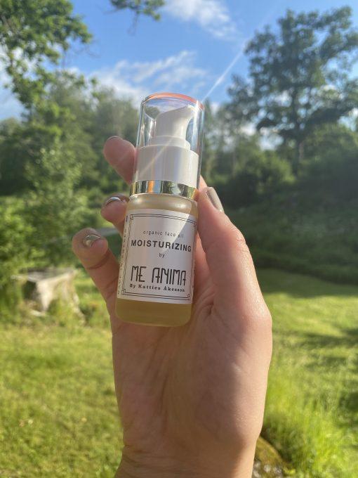 Me Anima moisturizing face oil